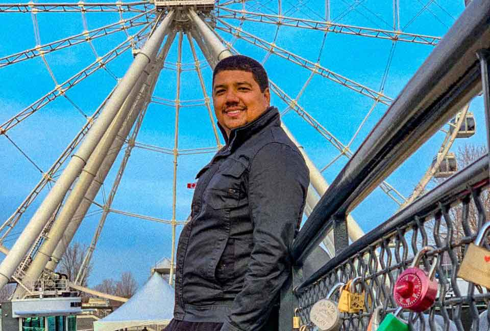 Conheça Leandro Cardoso, influenciador brasileiro que se tornou o Imperador das Milhas. Foto: Divulgação