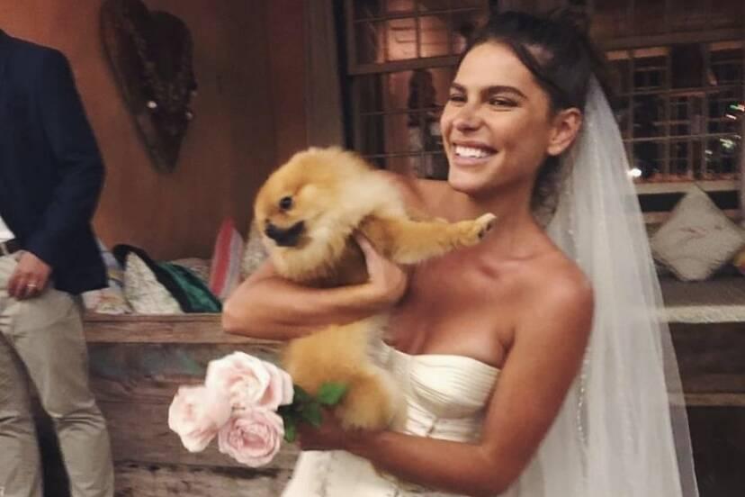 """Mariana Goldfarb sobre críticas a seu vestido de noiva: """"Quem tem que gostar sou eu ou você?"""""""