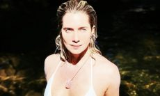 Letícia Spiller posa de biquíni e fala sobre fenômeno astronômico