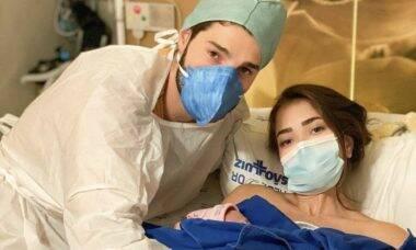 Alok e Romana contam sobre parto de emergência da filha, Raika