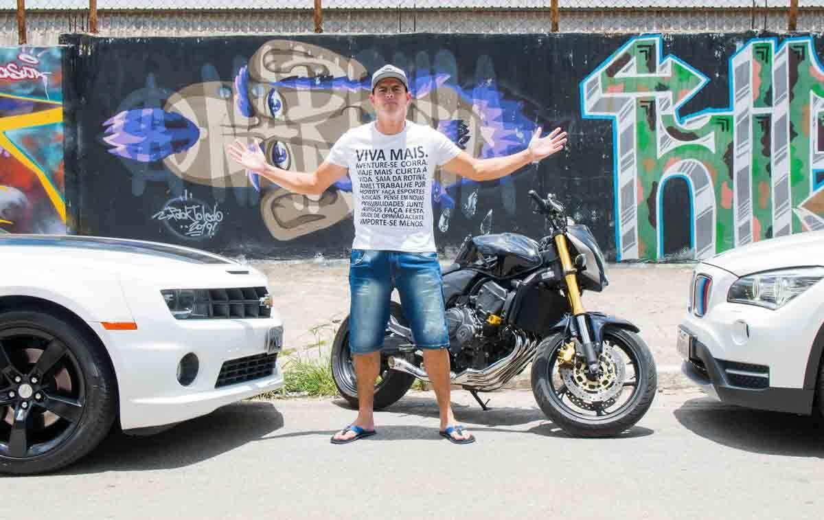 Conheça Rodrigo Feitosa: famoso youtuber e influenciador que faz sucesso nas redes sociais falando de motos. Foto: Divulgação