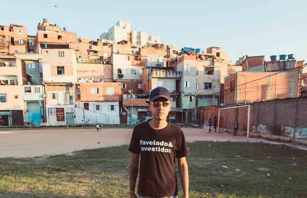 Murilo Duarte, o Favelado Investidor, explica como auxilia a vida de brasileiros através de seu projeto nas redes sociais. Foto: Divulgação