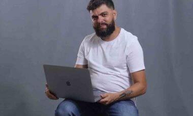 Escritor Vinnie de Oliveira revela como tornar possível o sonho de estudar fora do Brasil. Foto: Divulgação