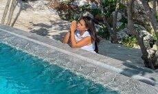 """Em Cancún, Simone reza ao lado de piscina: """"toda promessa passa pelo teste do tempo"""""""