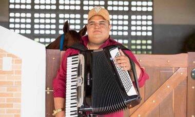 Cantor e compositor Tarcísio do Acordeon faz sucesso nas redes sociais . Foto: Divulgação