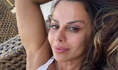 """Viviane Araújo exibe o bumbum em clique de biquíni: """"linda demais"""""""