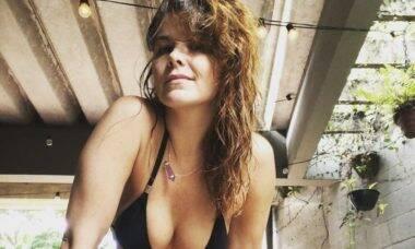 """Samara Felippo publica clique real: """"Seu corpo é seu templo"""""""