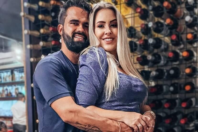 """Ex-BBB Patrícia Leitte comenta sobre novo namoro: """"Me apaixonei sem perceber"""""""