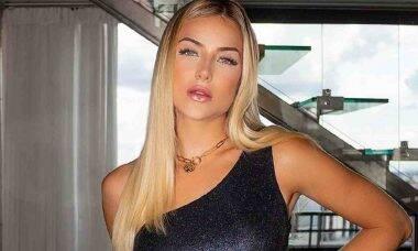 Gabi Martins surge pronta para ver a estreia do BBB 21 e ganha elogio do namorado Tierry