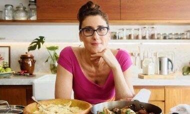 """Paola Carosella retruca comentário do ex diretor de Gugu: """"o senhor é patético"""""""