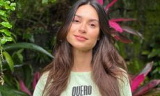 """Thaila Ayala posta cliques da infância e desafia os fãs: """"me encontre na foto"""""""