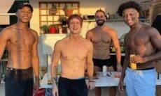 """Campeão do 'The Voice' curte churrasco com outros participantes do programa: """"pra vida"""""""