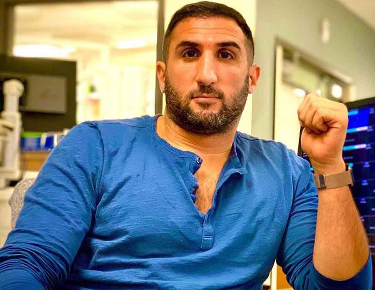Influenciador e médico anestesiologista Omar Hajmurad, o Doutor Ohaj, vira designer de joias de sucesso durante a pandemia. Foto: Divulgação
