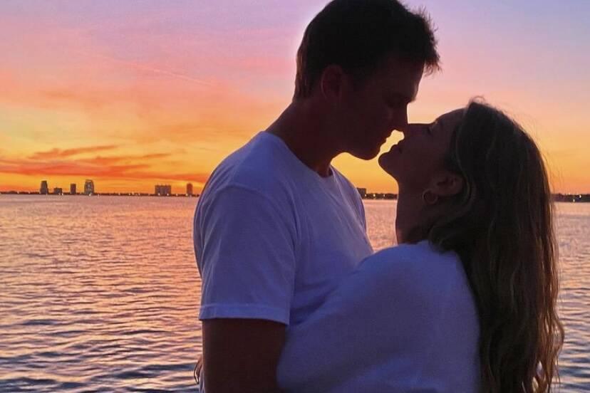 Gisele Bündchen posta clique agarradinha com Tom Brady