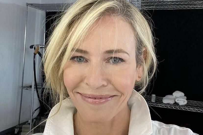 Chelsea Handler publica vídeo nua após vender casa por R$ 56,5 milhões