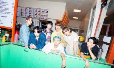 BTS coloca roupas do clipe de 'Dynamite' à leilão por mais de R$ 800 mil