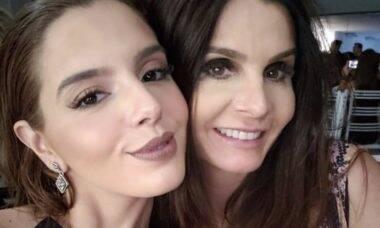Giovanna Lancellotti diverte a web ao dublar áudios da mãe