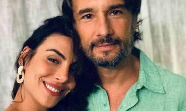 Rodrigo Santoro posa com a esposa Mel Fronckowiak em novo clique romântico