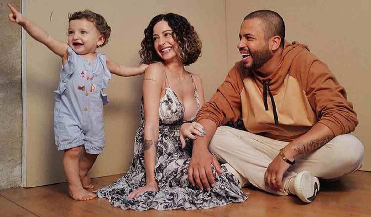 Esposa de Projota faz declaração apaixonada ao cantor que está no BBB 21: 'você é incrível'
