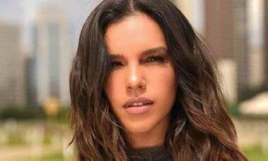 De biquíni, Mariana Rios posa em clique empinando o bumbum durante viagem à Alagoas
