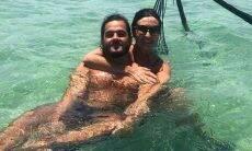 Fátima Bernardes posa com namorado em viagem ao Pernambuco