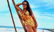 """Viviane Araújo posa em praia durante viagem à Bahia: """"paraíso"""""""