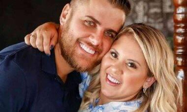 Zé Neto ganha festa de aniversário surpresa da esposa: 'bom estar ao lado da família'