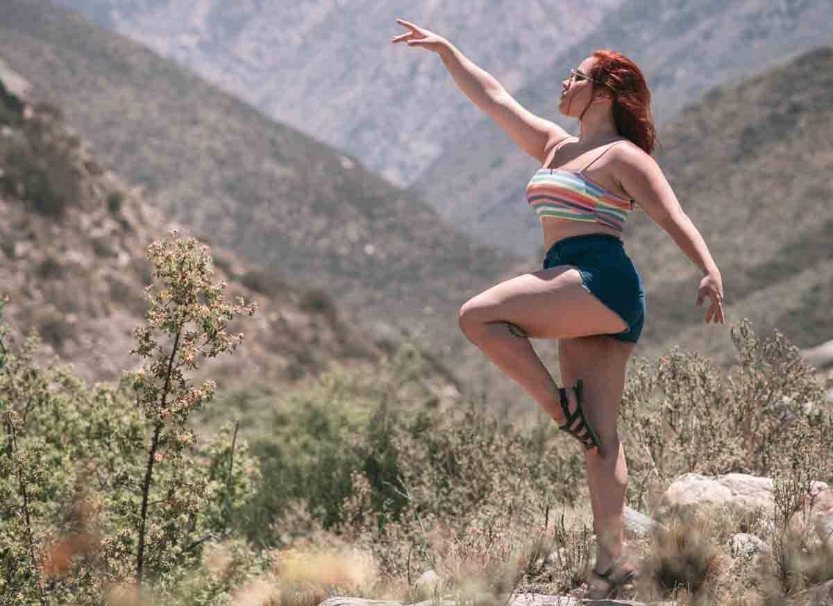 Influenciadora, dançarina e artista performática Lohana Monteiro faz sucesso nas redes sociais. Foto: Divulgação