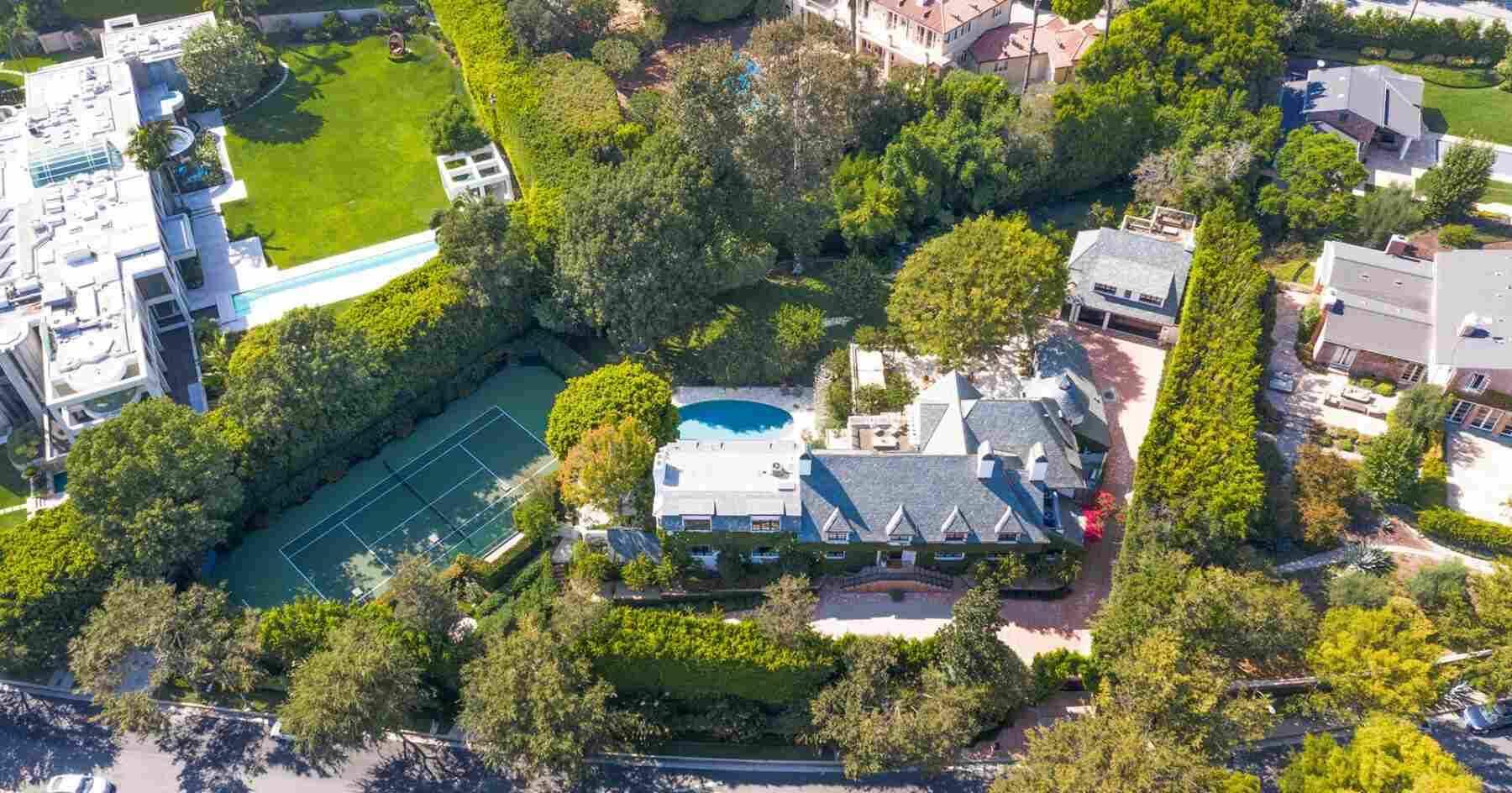 Ellen DeGeneres coloca mansão comprada de Adam Levine à venda por cerca de R$ 300 milhões (Foto: Reprodução/Instagram/GettyImages/WEA Homes)