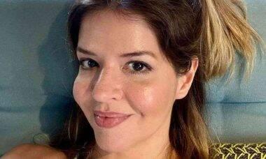 Mariana Santos posta clique de biquíni sem edição: 'amo meu corpo'