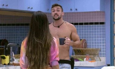 """BBB 21: Arthur ameaça Juliette: """"nada me impede de votar em você"""""""