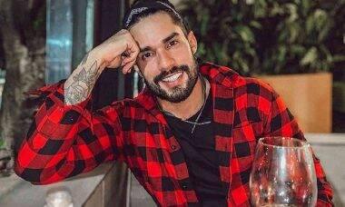Ex-BBB Bil Araújo coloca lente de contato nos dentes, confira o antes e depois