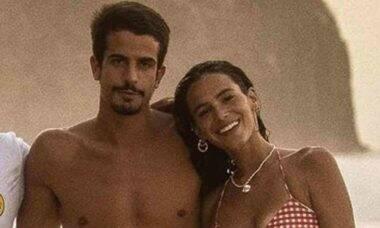 Novo casal! Enzo Celulari e Bruna Marquezine posam juntos em viagem