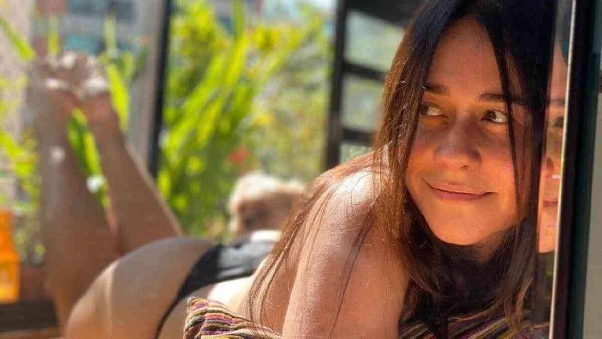 """Alessandra Negrini revela incômodo com surpresa sobre sua idade: """"muito chato isso"""""""