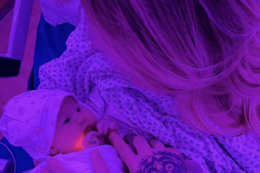 Chiara Ferragni e Fedez celebram nascimento da filha, Vittoria