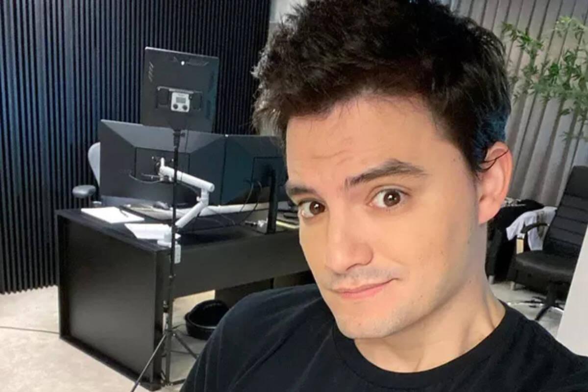 """Justiça suspende investigação contra Felipe Neto: """"Vitória"""""""