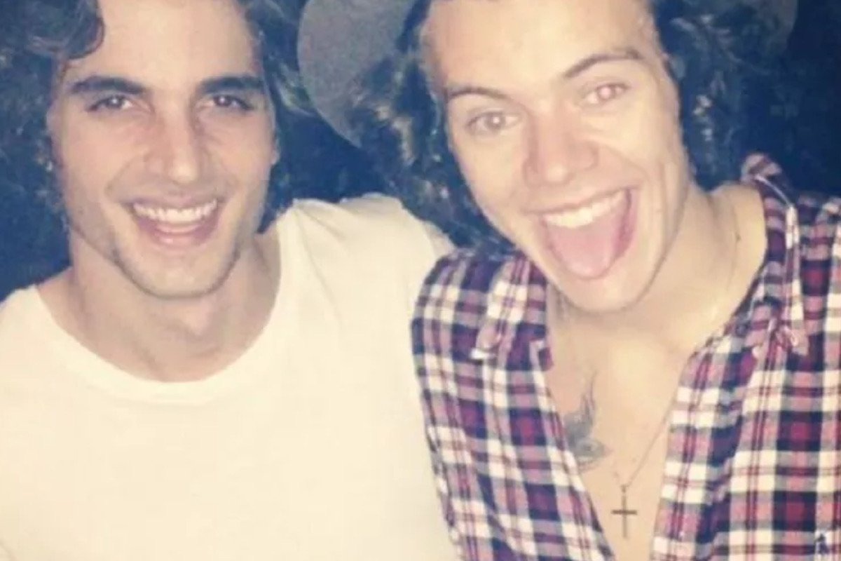 BBB 21: Fiuk conta que recebeu cantada de membro da One Direction e fãs apontam Harry Styles