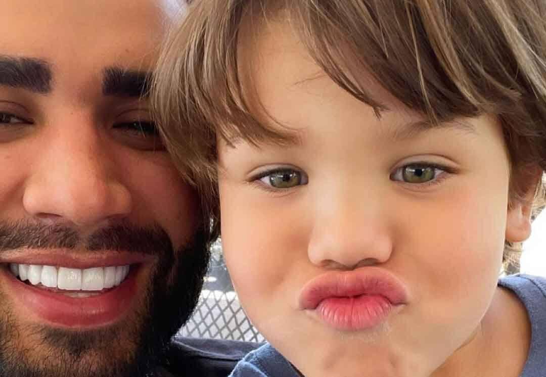 """Andressa Suita comenta em foto de Gusttavo Lima com os filhos: """"Tudo a cara da mamãe"""" (Foto: Reprodução/Instagram)"""