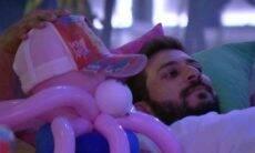 BBB 21: Juliette anima Caio com boneco que apelidou de Rodolffo