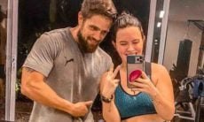 Mari Bridi posa com o marido, Rafa Cardoso, pós treino: 'saúde sem neura'
