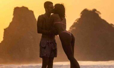 Assumidos! Bruna Marquezine posta beijo em Enzo Celulari: 'o melhor'