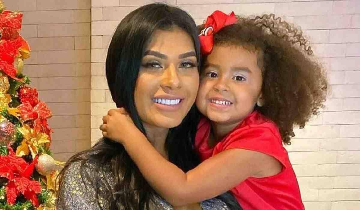 Pocah fala sobre conflito da filha com cabelo crespo: 'dói na minha alma'