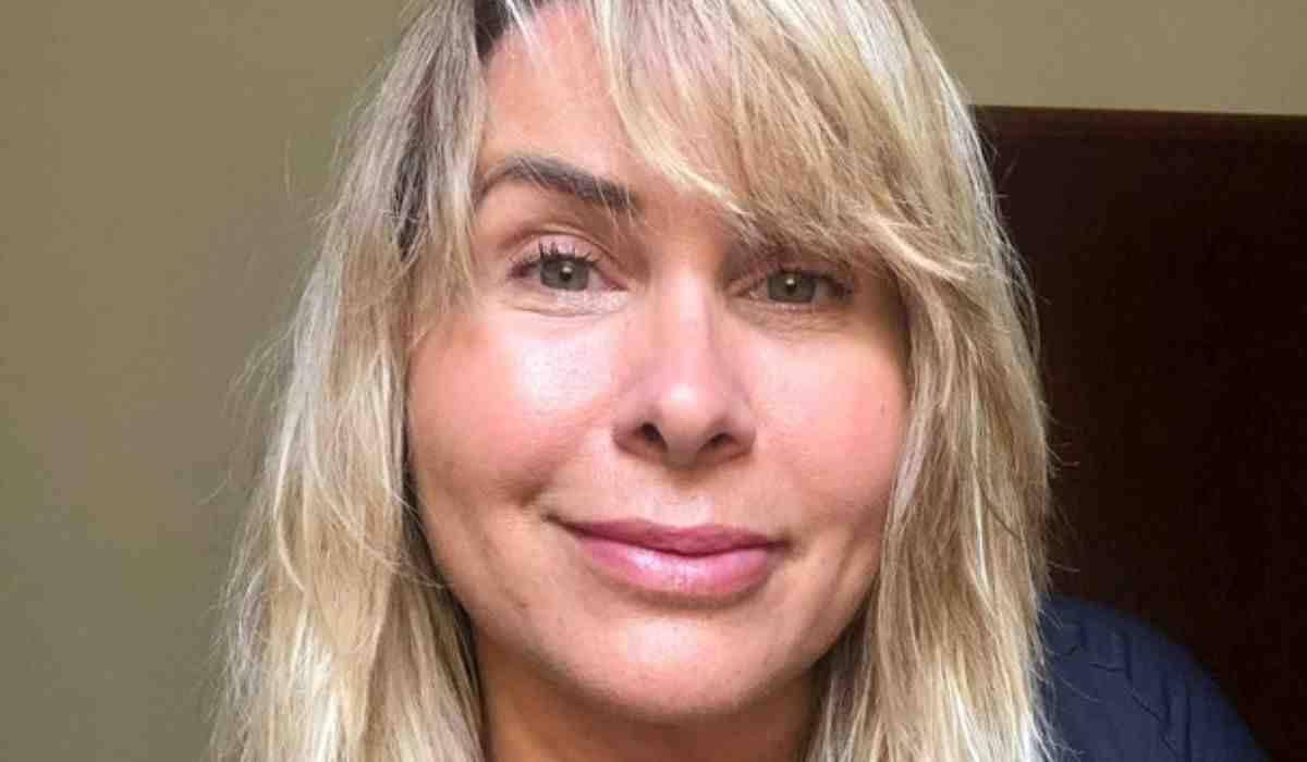 Andrea Sorvetão posta selfie natural sem edição e filtro: 'eu sou assim'