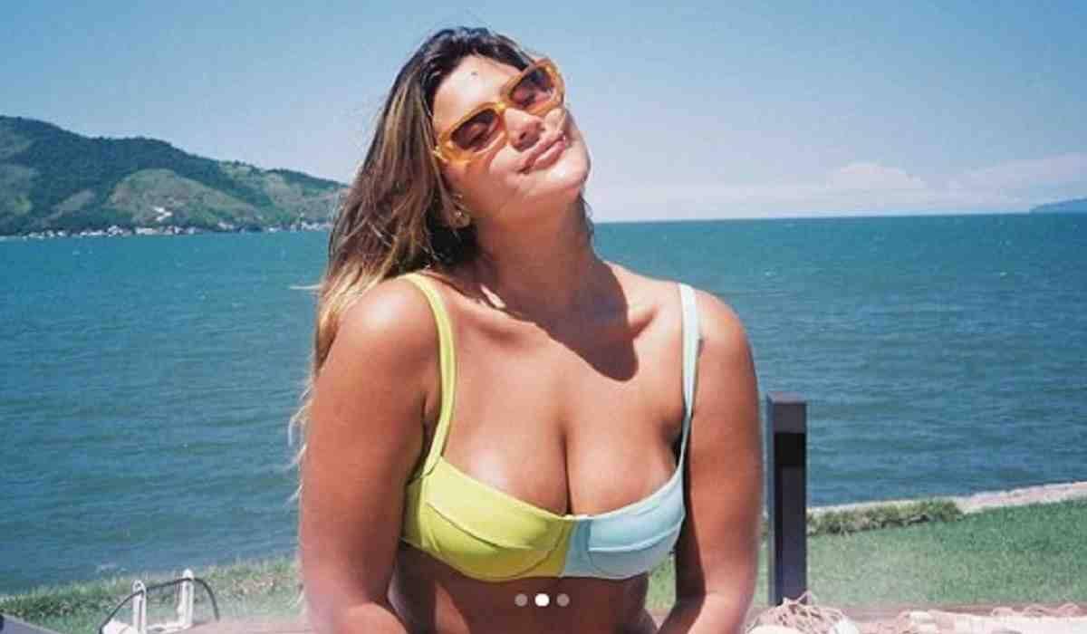Giulia Costa relembra cliques de biquíni: 'onde eu queria estar'