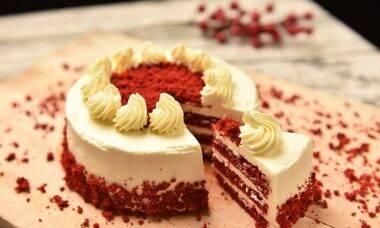 Receita fácil de bolo no pote red velvet com Ninho da Ana Maria Braga. Foto: Pixabay