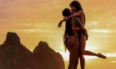 Ludmilla se declara à Brunna Gonçalves em Noronha: 'te amo pra sempre'