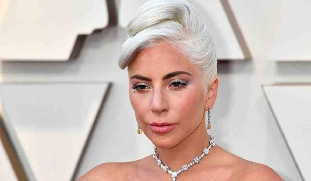 Lady Gaga revela que engravidou após ser vitima de estupro aos 19 anos