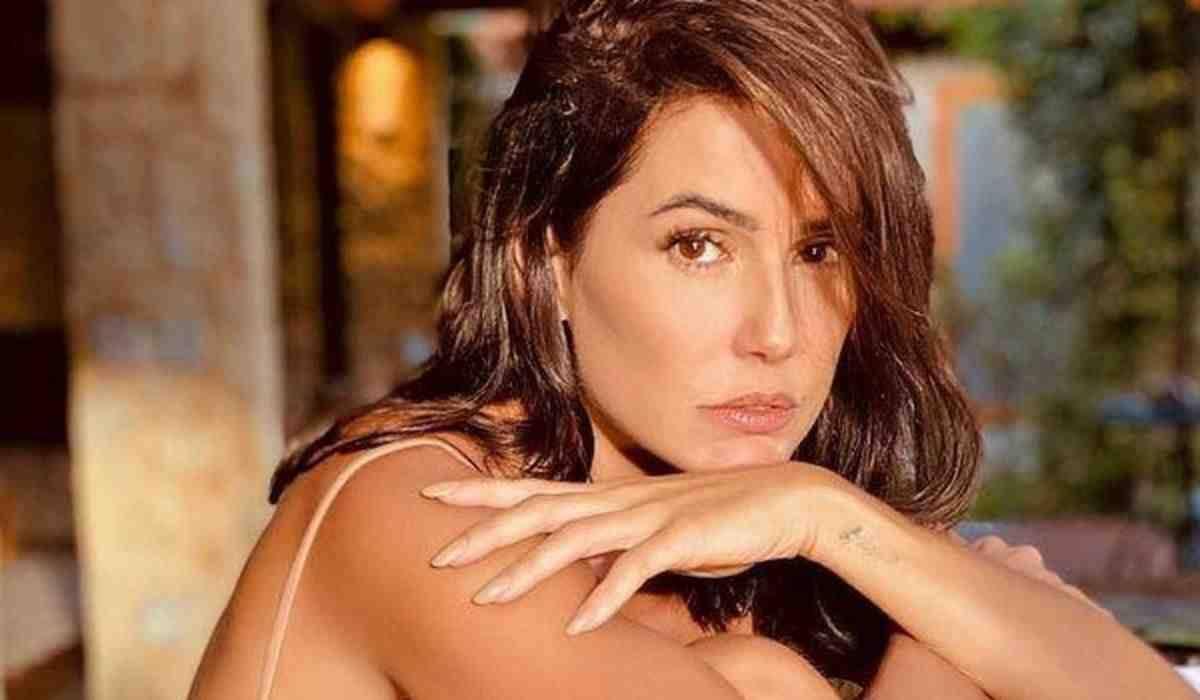 Deborah Secco revela preconceito durante a carreira: 'fui muito julgada'