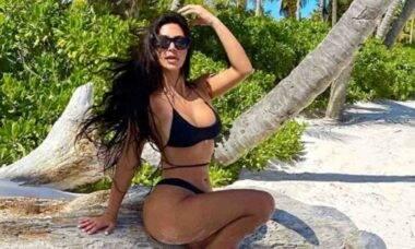 Kim Kardashian posta clique e fãs apontam exagero no photoshop