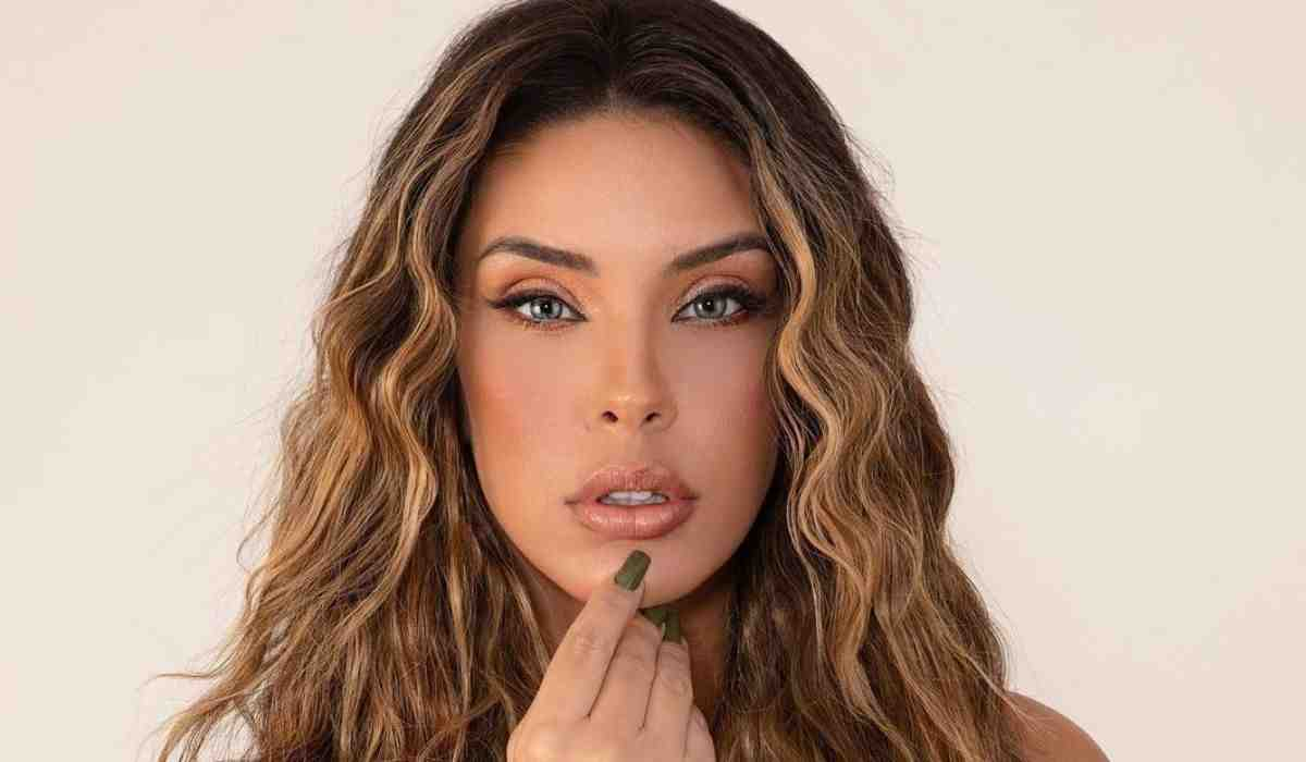 Ex-BBB Ivy Moraes surge de visual novo: 'minha mais nova versão'